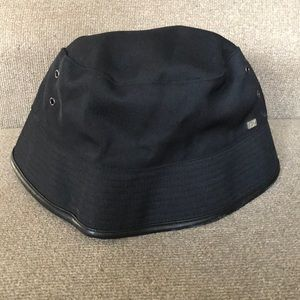 A/X black bucket hat
